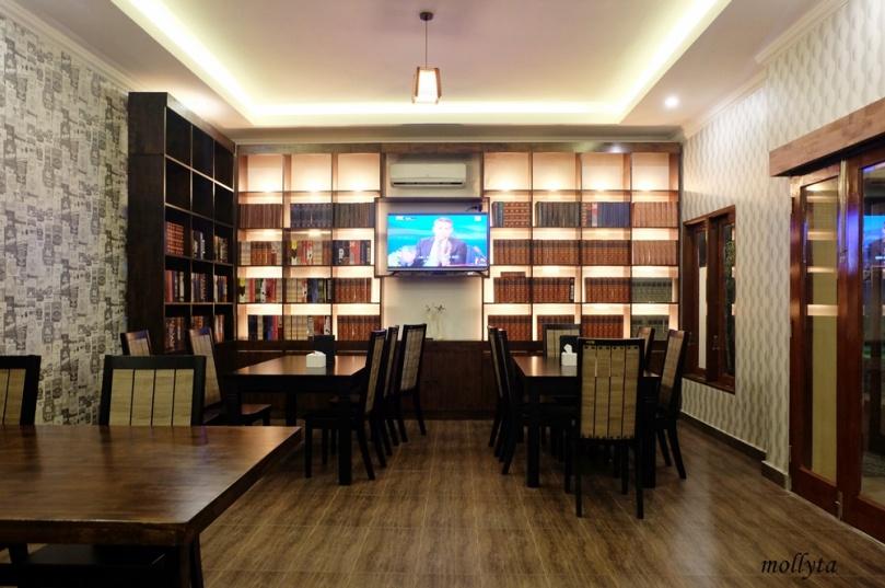 Interior Kafe Potret Medan