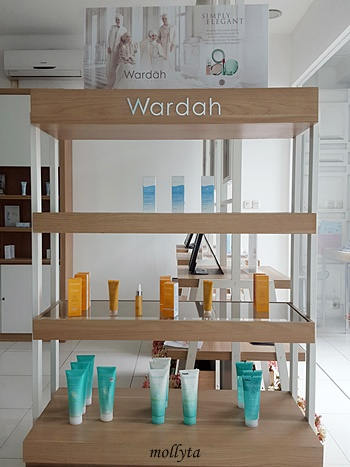 Display produk Wardah