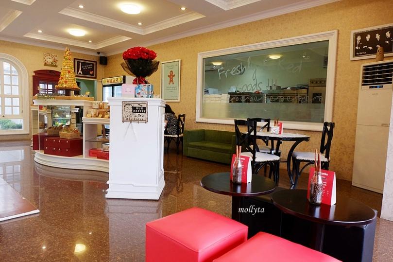 Interior Cabrita Patisserie & Bakery
