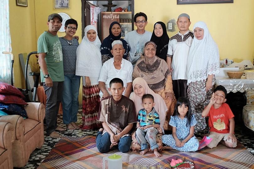 Merayakan ulang tahun pernikahan ke 50 di Tanjung Pura