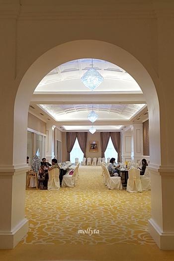 Cafe De Palmo Adimulia Hotel Medan