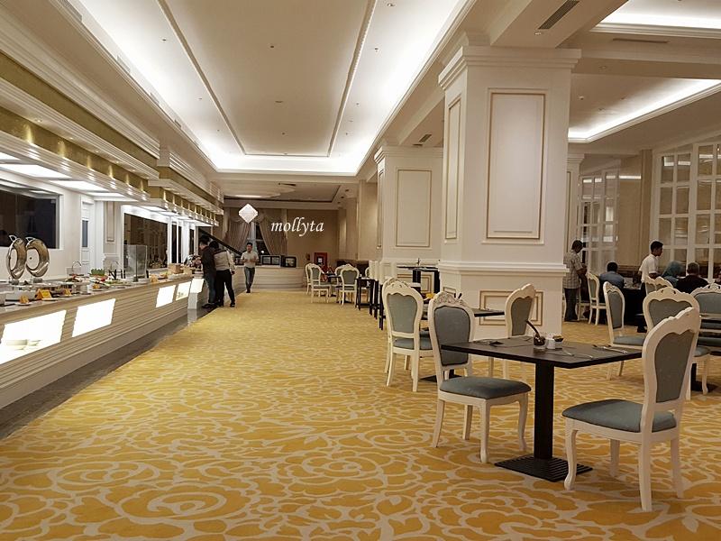 Berbuka puasa di Cafe De Palmo Adimulia Hotel Medan