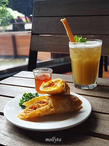 Motret makanan di acara Food and Travel Photography Workshop Medan