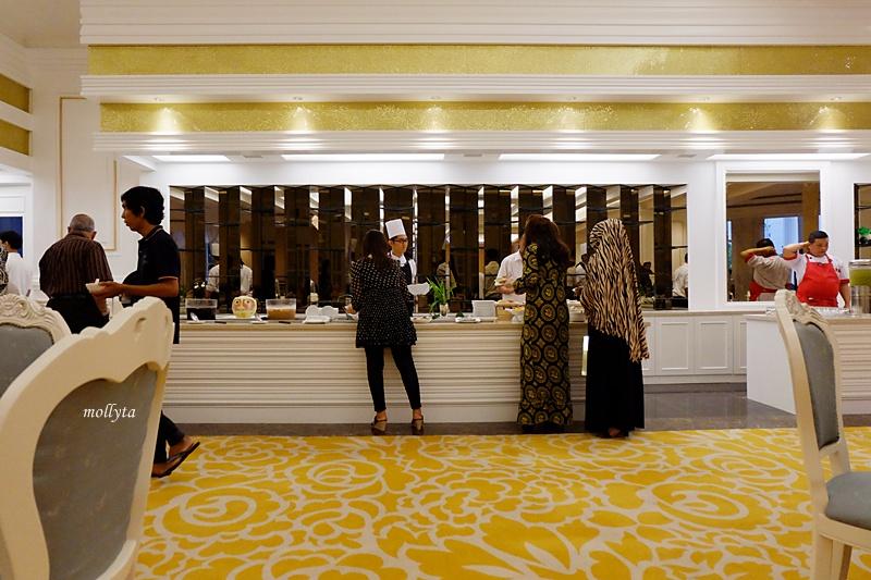 Hidangan buka puasa di Adimulia Hotel Medan