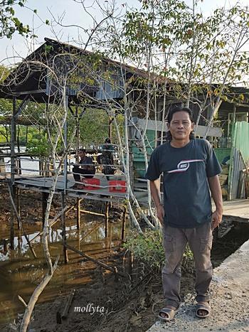 Bang Iwan pemilik pondok di Mangrove desa Air Tawar Gebang
