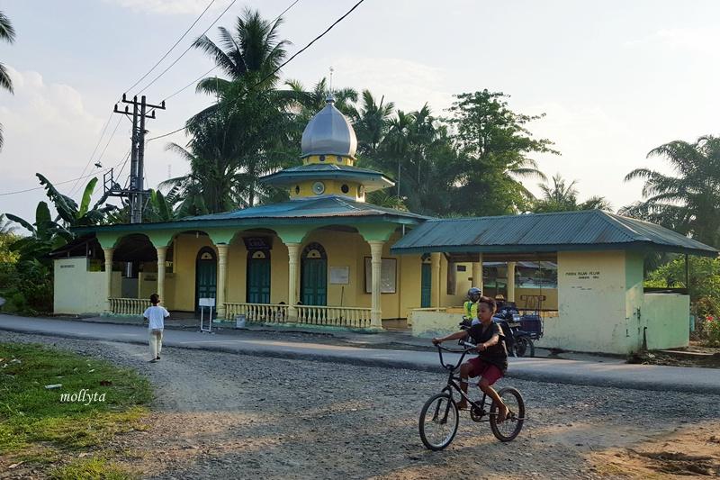 Masjid Al Ikhlas desa Air Tawar Gebang Langkat
