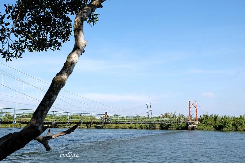 Jembatan Gantung desa Dogang