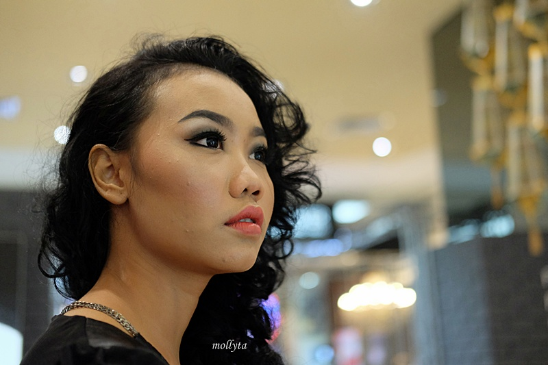 Hasil make up Elizabeth Arden pada model