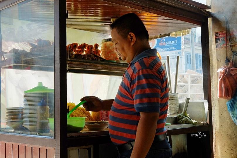mie rebus di Kedai Kopi Restu Tanjung Pura