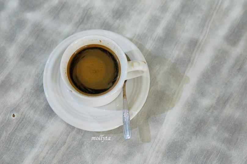 kopi hitam Kedai Kopi Restu
