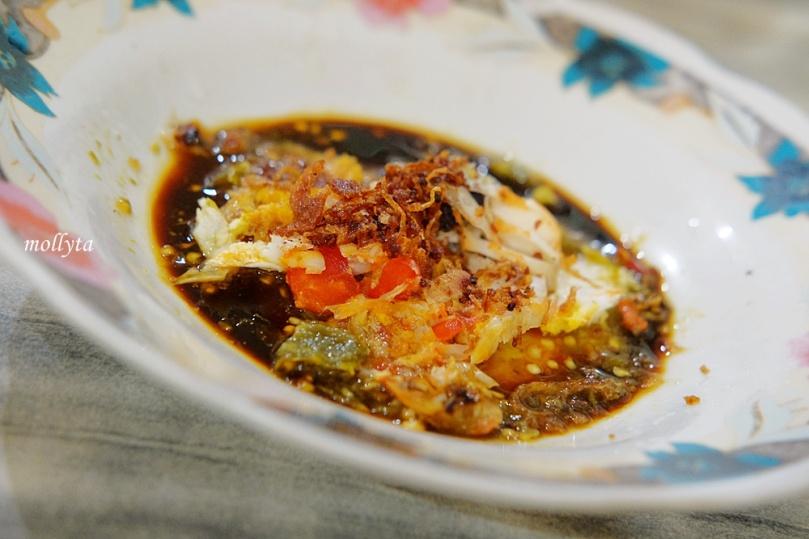 campuran untuk mie rebus spesial di Kedai Kopi Restu