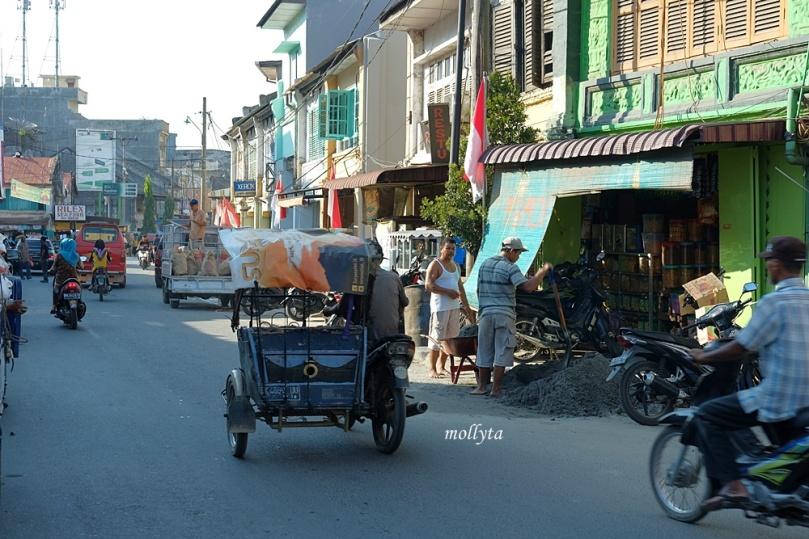 jalan Sudirman kota Tanjung Pura Langkat