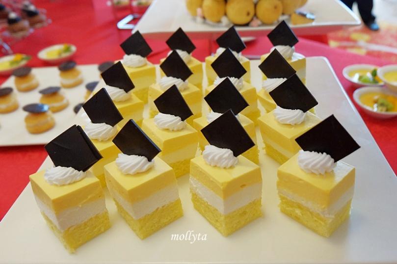 High Tea di Adimulia Hotel Medan