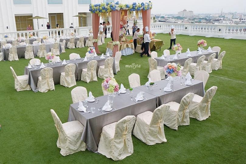 Roof Garden di Adimulia Hotel Medan