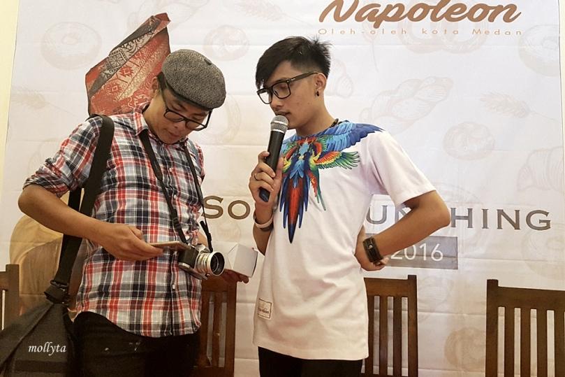 Pemenang livegram di soft launching Medan Napoleon