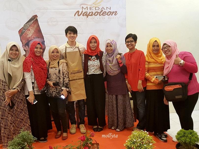 Foto bersama Irwansyah di Medan Napoleon