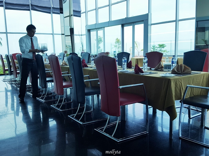 The Edge Restaurant di Grand Swiss-Belhotel Medan