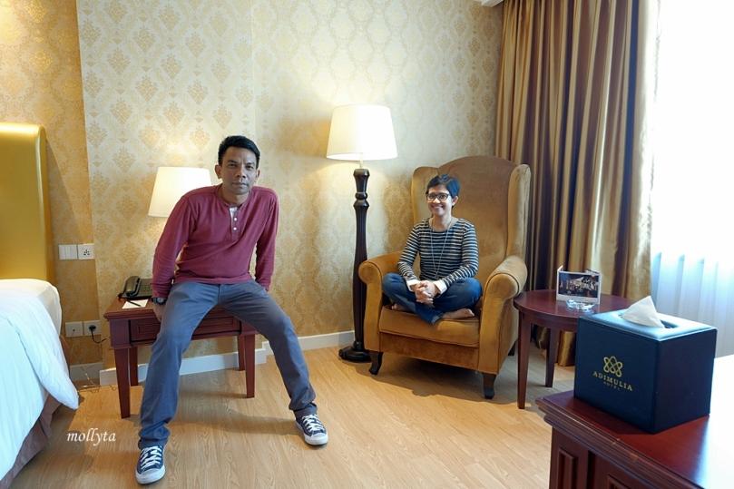 Sudut di kamar Deluxe Adimulia Hotel