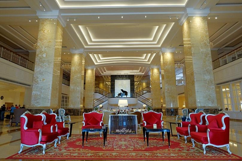 Lobby Adimulia Hotel Medan