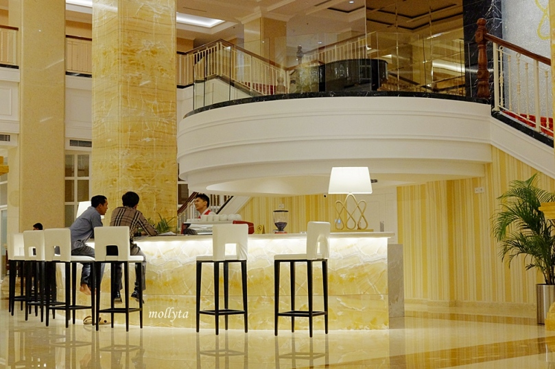 Sudut lobby Adimulia Hotel Medan