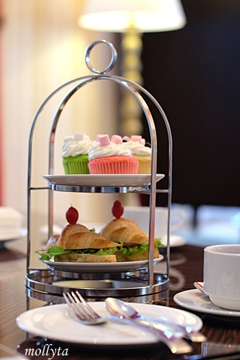 High tea sensation di Adimulia Hotel Medan