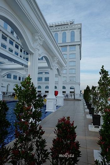 Pool di Adimulia Hotel Medan
