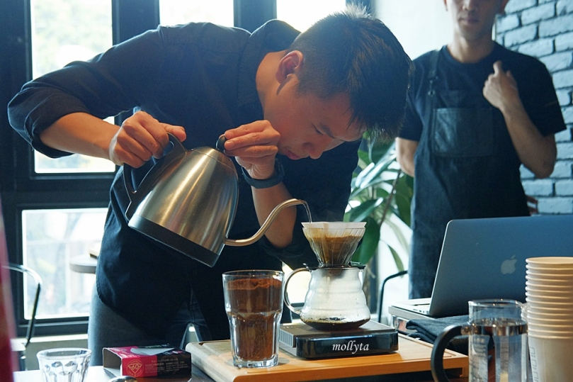 Manual Brew Workshop di Coffeenatics Medan