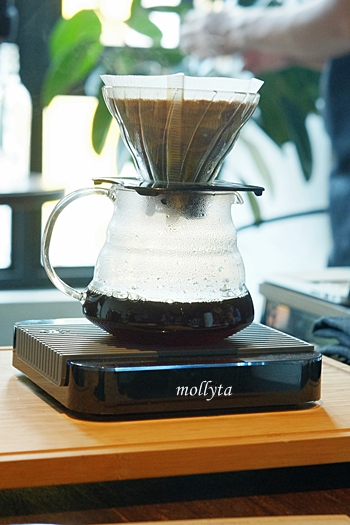 V60 Pour Over di Coffeenatics