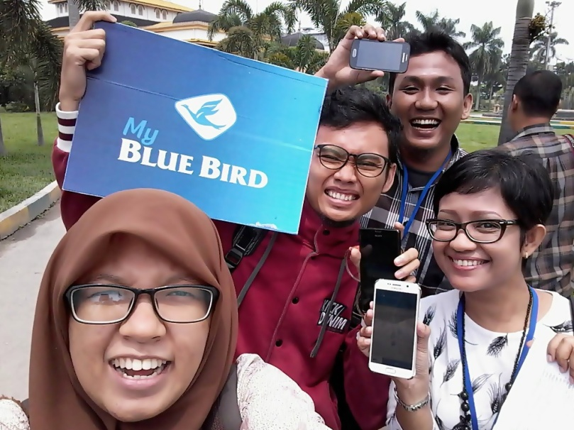 Photo group Jelajah kota Medan My Blue Bird di Istana Maimoon