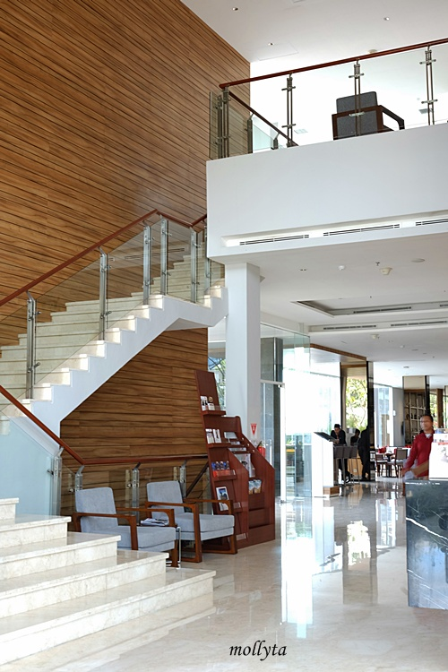 Lobby Area Hotel Grandhika Setiabudi Medan