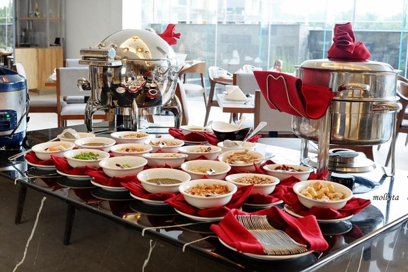Breakfast Buffet di Hotel Grandhika Medan