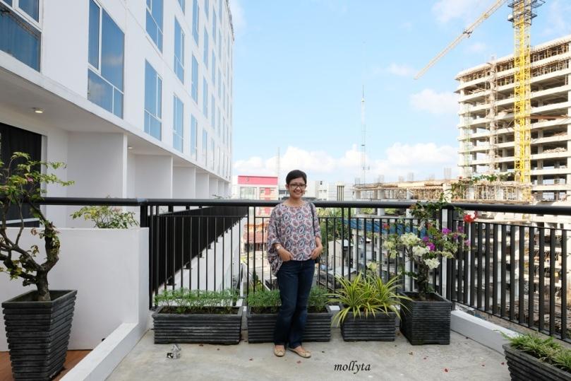 Balcony dari Junior Suite Hotel Grandhika Setiabudi Medan