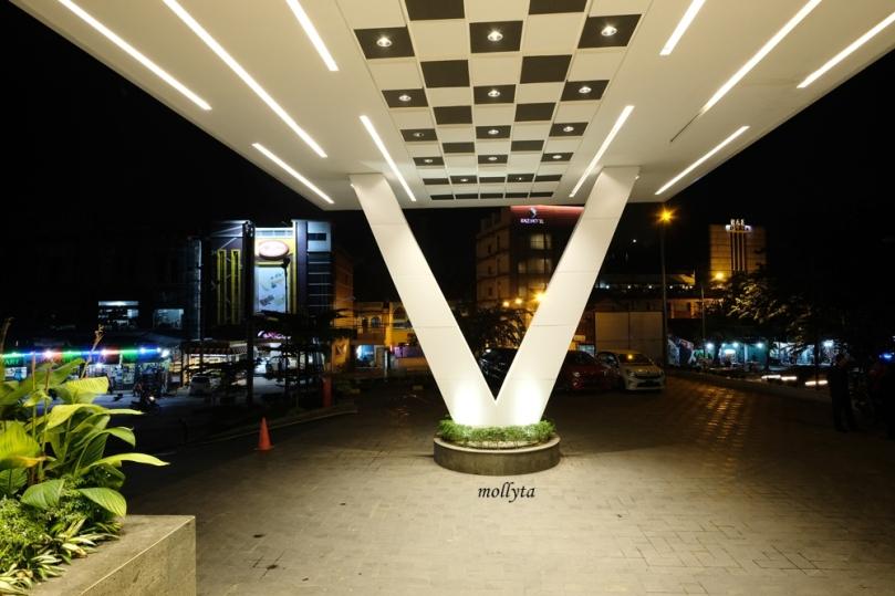 Tampak depan Hotel Grandhika Medan
