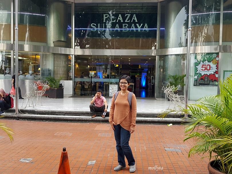 Di Plaza Surabaya