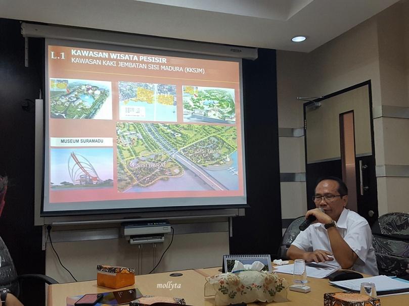 Di kantor BPWS Surabaya