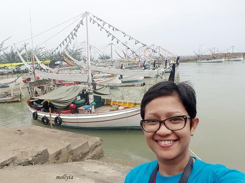 perahu nelayan di PPI Pasongsongan Madura