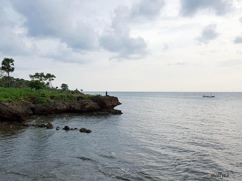 Pantai Ropet di Giliyang