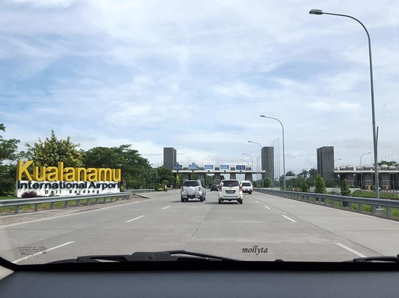 Menuju bandara Kuala Namu