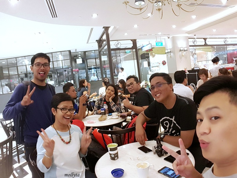 Nongkrong di Paris Baguette Cafe Singapura