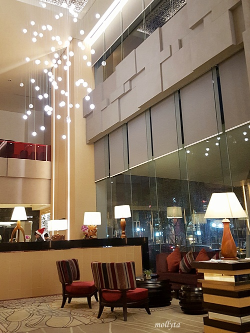 Lobby Grand Mercure Maha Cipta Medan Angkasa