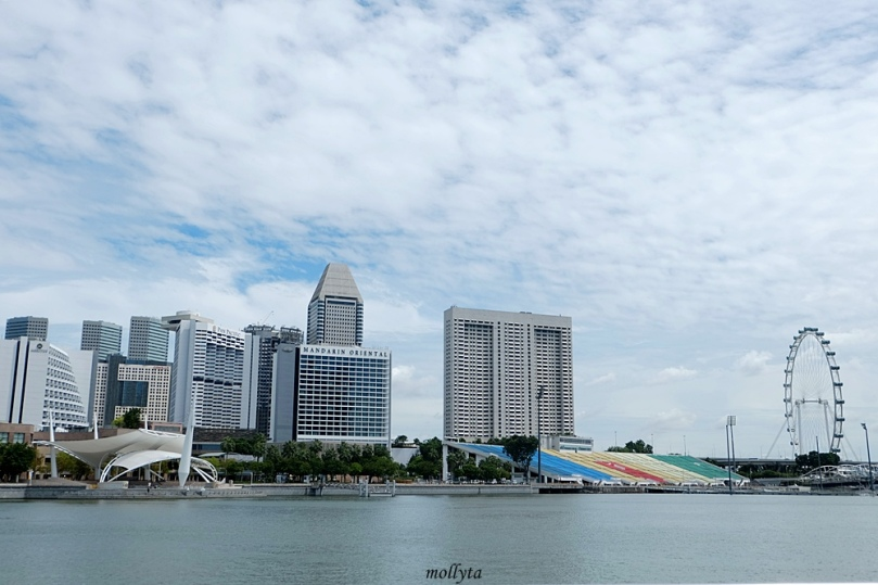View dari Jubilee Bridge Singapura