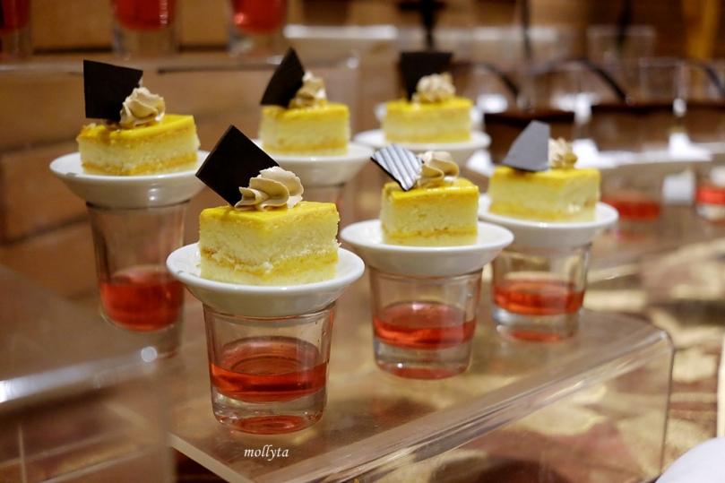 pilihan dessert di Orchid Restaurant