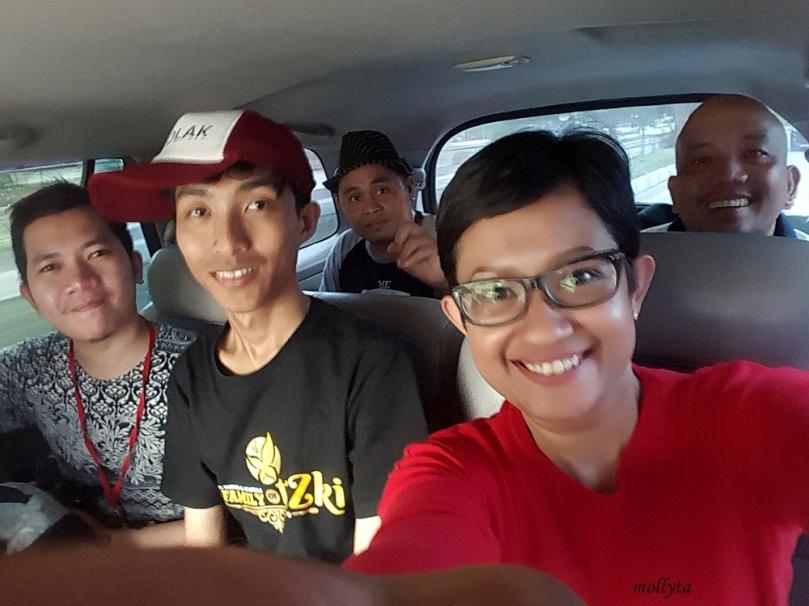 Dalam perjalanan menuju bandara Juanda