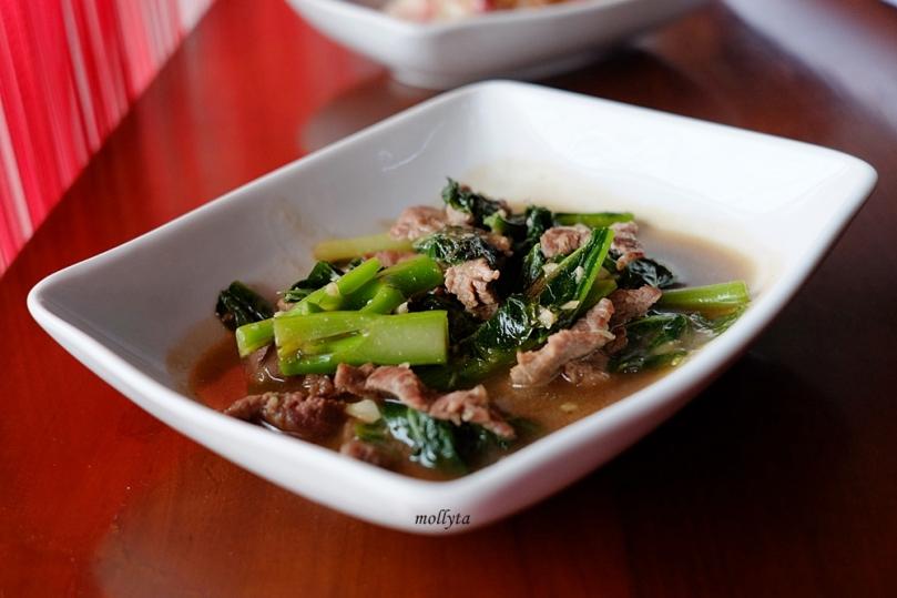 Masakan Thailand Pad Kana Nam Man Hoi