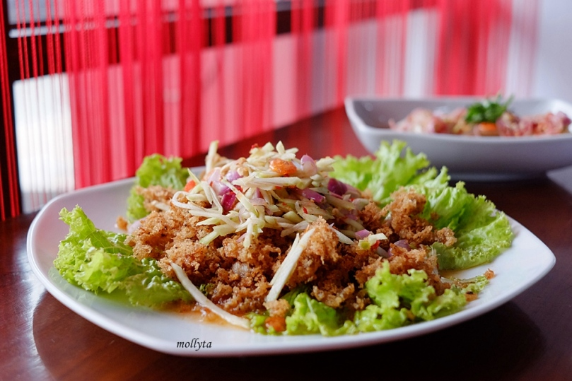 Masakan Thailand Yam Pla Duk Foo