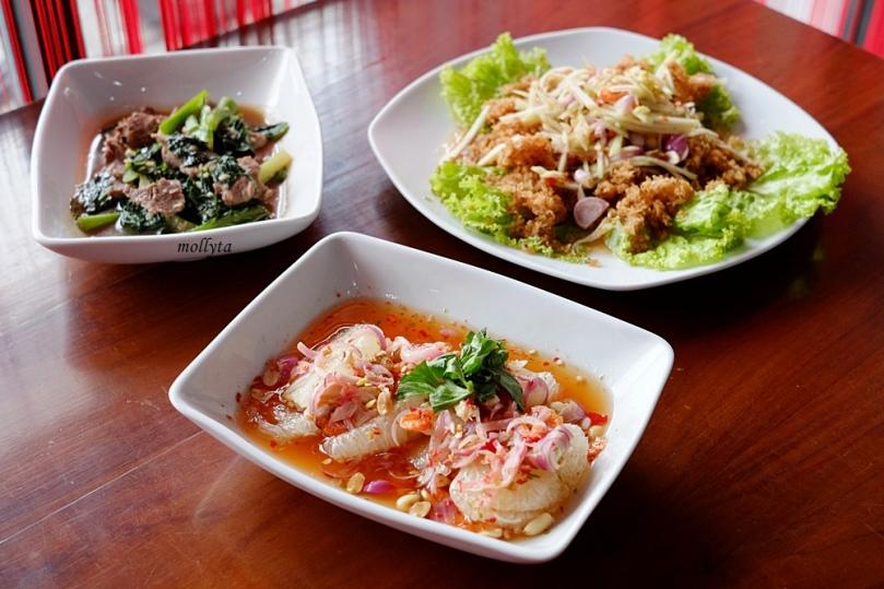 Menu dari Somtham Thai Medan
