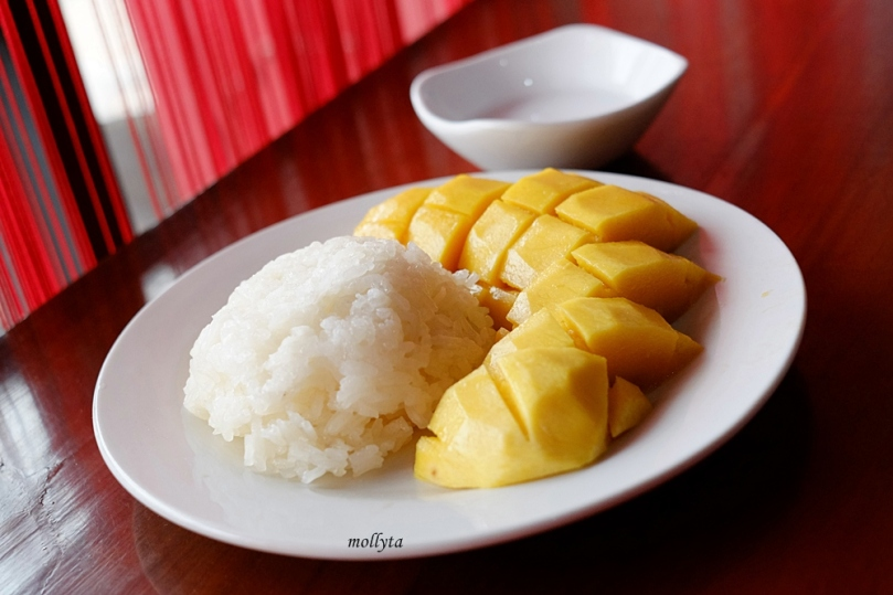 Makanan Thailand Khao Niao Ma Muang
