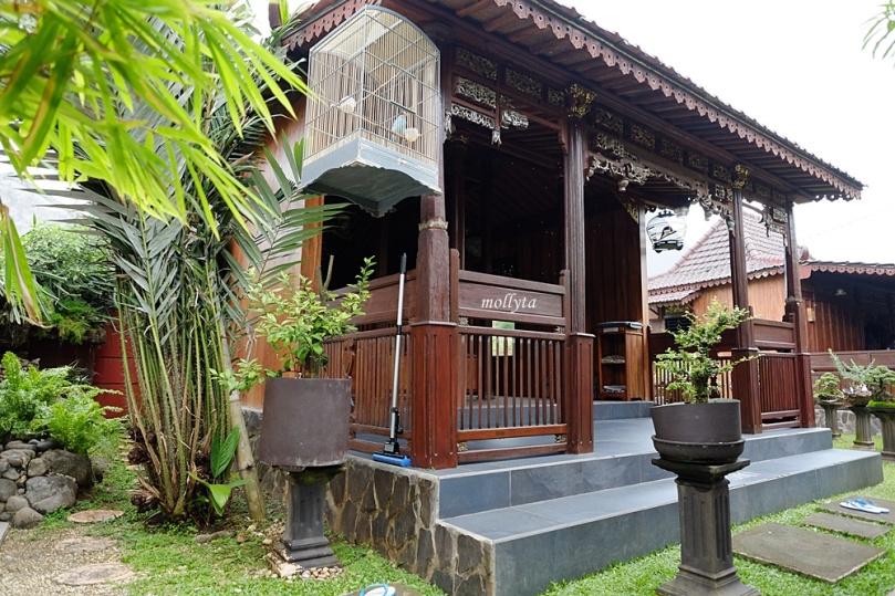 Rumah adat Madura