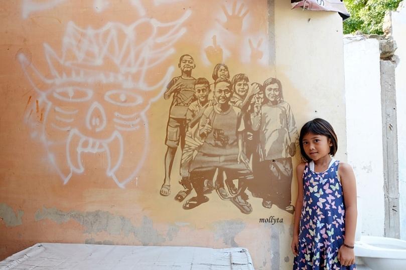 Mural dengan model anak-anak di Medan
