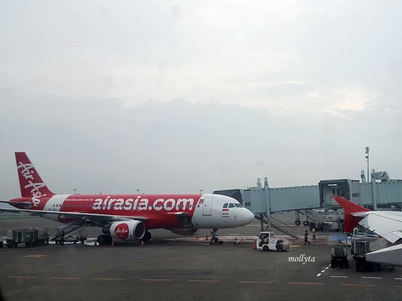 Penerbangan Air Asia rute Jakarta menuju Bangkok